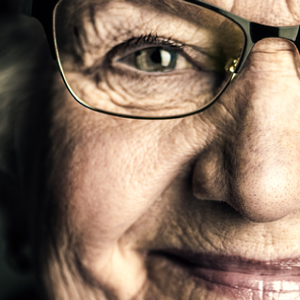 old-woman-glasses-vision